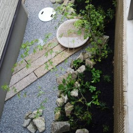 姫路市庭|浴室から眺める心安らぐ和モダンの坪庭
