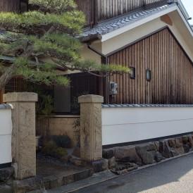 姫路市和風外構リフォーム工事|崩れ石積みと鎧塀のある重厚な門構え