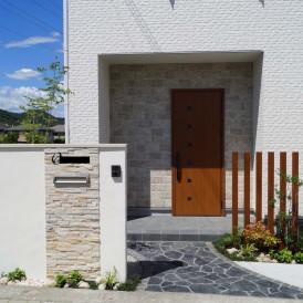 姫路市新築外構|建物と調和のとれた門廻りデザイン
