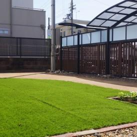 人工芝とマサ土舗装のガーデンリフォーム 姫路