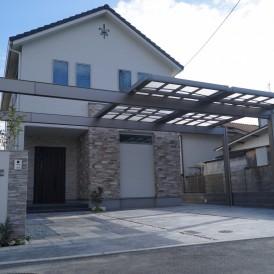 敷地を有効利用できる大型カーポートUスタイル 明るいポリカ屋根 姫路