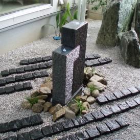水が流れるクールでおしゃれな坪庭 姫路市 E様邸