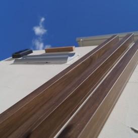 白の塗り壁をアクセントにしたオープン外構 姫路市M様邸